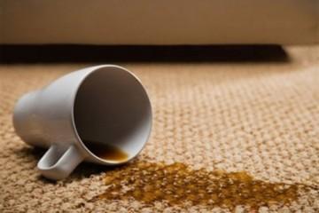 Mẹo hay loại ngay vết bẩn bám trên sofa vải thô và nỉ