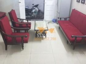 Làm đệm ghế màu đỏ đô cho bác Phong ở Mễ Trì