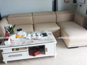 Bọc lại ghế sofa da nhăn nhúm tại nhà bác Tình ở Phú Thọ