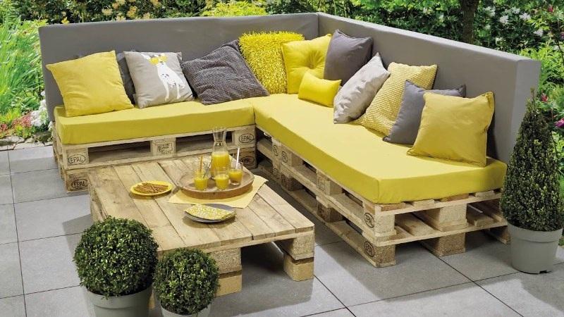 Đóng bàn ghế sofa từ Pallet gỗ siêu dễ dàng