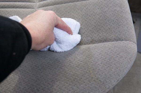 Hướng dẫn giặt vỏ bọc ghế sofa đúng cách nhất