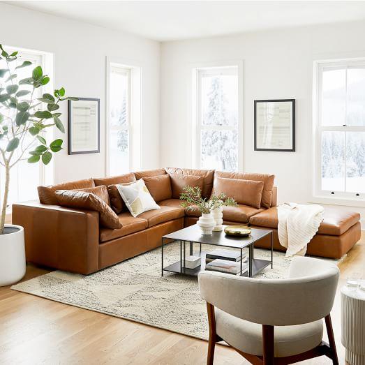 Lựa chọn bọc ghế sofa màu nâu cho không gian sang trọng và thanh lịch