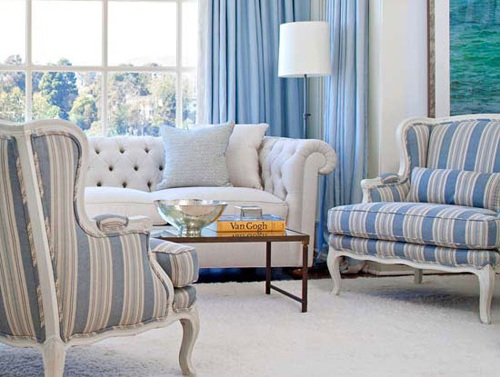 Phòng khách đẹp hơn nhờ vào bọc ghế sofa mang họa tiết