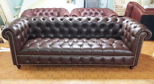 Thay đổi không gian phòng khách với sofa bọc da in họa tiết sang trọng