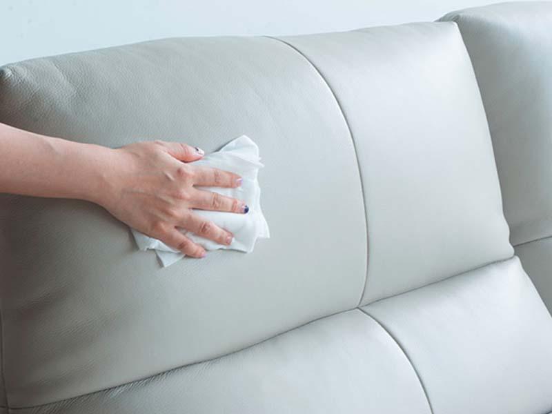 Vệ sinh ghế sofa đón Tết thật đơn giản với những bước sau đây